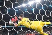 El meta italiano se vistió de largo en la tanda de penales para contribuir al título de los suyos.