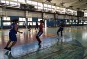 El trabajo sobre las rotaciones ofensivas inició el lunes en el Cerro Pelado con las jugadoras de La Habana. Fotos: Del autor
