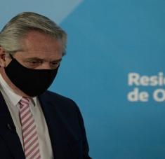 El presidente argentino llamó a la ciudadanía a mantener los cuidados y recomendaciones para evitar la propagación del coronavirus. Foto: EFE