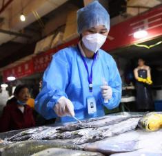 Las aduanas chinas anunciaron la suspensión de importaciones de empresas por una semana si los productos resultan contaminados por primera vez, y durante un mes si es reiterativo. Foto: Reuters