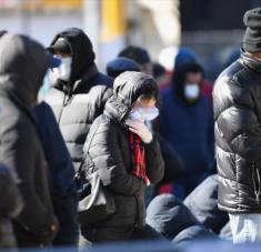 en Nueva York el estado de alarma hace que se produzcan colas enormes para realizarse la prueba. Foto: AFP.