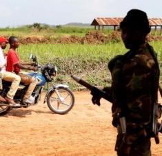 La violencia en la RD del Congo provoca la proliferación de grupos armados, el secuestro de niños y los ataques a escuelas y hospitales. Foto: Reuters