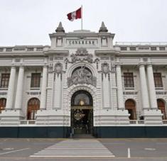 Para que el Pleno del Congreso admita la moción contra Vizcarra, es indispensable que se alcancen los 52 votos requeridos como mínimo. Foto: DW