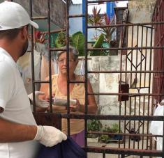 Ya volverán los cubanos a disfrutar del café Crystal, entre abrazos y besos, cuando el coronavirus sea solo un mal recuerdo.