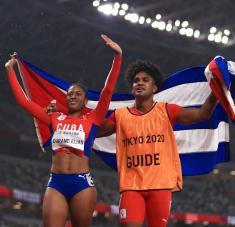 Séptimo título de Omara en citas paralímpicas, quinto fraguado junto a Yuniol Kindelán. Foto: olympics.com.