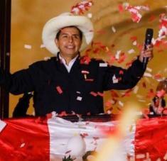 En varias ocasiones, Castillo llamó a esperar con paciencia los resultados e instó a defender la voluntad de la mayoría. Foto: Reuters