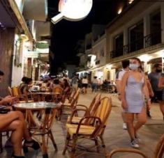 En los últimos siete días en España se han registrado 129 decesos a causa de la Covid-19. Foto: EFE