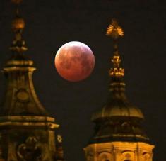 Luna de sangre. Imagen: David W Cerny / Reuters.