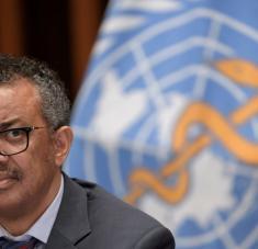 """Ghebreyesus lamentó que """"la gran mayoría"""" de los 225 millones de dosis de vacunas contra el covid-19 hayan sido administradas en """"un puñado de países ricos"""", mientras que otras naciones """"miran y esperan"""". Foto: Reuters."""