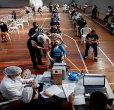 Paraguay registró 3.031 casos positivos y 98 decesos por coronavirus en las últimas 24 horas. Foto: EFE
