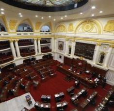 Tras aprobar por unanimidad la iniciativa para derogar la Ley, el pleno del congreso la someterá a debate y votación este viernes. Foto: @congresoperu