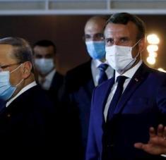 A su llegada a la capital libanesa, el mandatario francés fue recibido por el presidente libanés, Michel Aoun. Foto: EFE