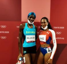 Roxana junto a la fenomenal Shaunae Miller-Uibo