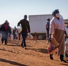 El presidente sudafricano ha recalcado que las interrupciones causadas por el coronavirus global y localmente han exacerbado las vulnerabilidades económicas de Sudáfrica y las perspectivas de crecimiento. Foto: Xinhua