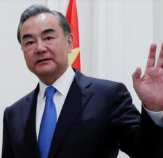 El canciller chino, Wang Yi, antes de una reunión celebrada en Roma (Italia), 25 de agosto de 2020. Foto: Reuters