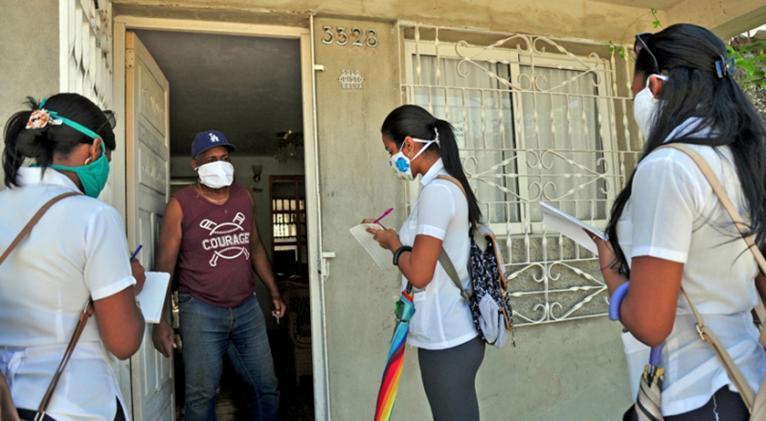 inculados también en esa imprescindible tarea productiva están hoy 310 universitarios en 18 brigadas voluntarias desplegadas en todos los municipios de la localidad. Foto: Yaymara Villaverde Marcé.