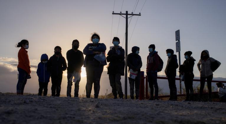 Alrededor de mil personas no identificadas entran ilegalmente en territorio de EE.UU. cada día, reporta The Washington Post. Foto: Reuters.