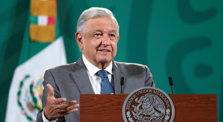 El mandatario mexicano también instó a terminar con los intervencionismos en la región e instó a EE.UU. a retirar el bloqueo económico a Cuba.
