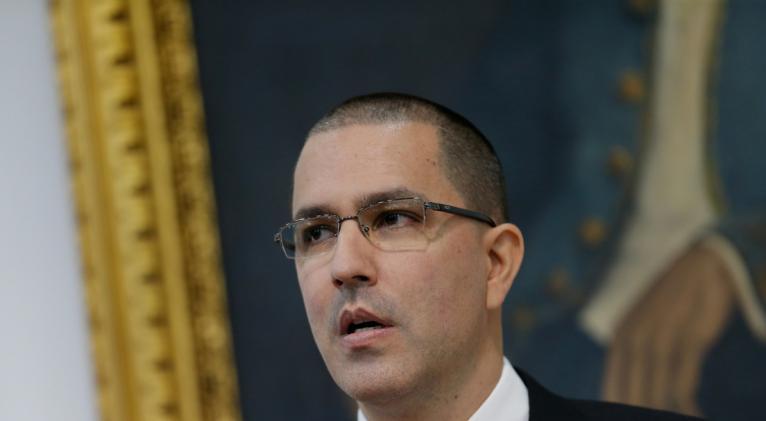 Arreaza precisó que la medida fue dada a conocer por la cancillería brasilera a través de una nota oficial. Foto: Reuters.