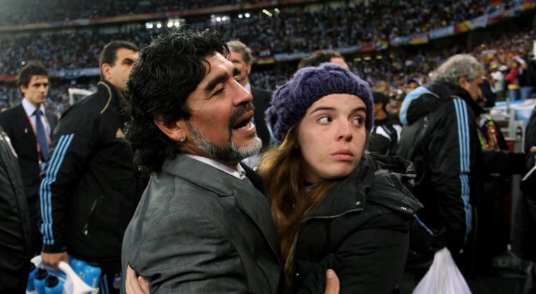 """La hija del astro argentino publicó en sus redes una carta pública en la que expresó el dolor por la pérdida: """"Estoy destruida pero voy a salir adelante"""". Foto: Reuters."""