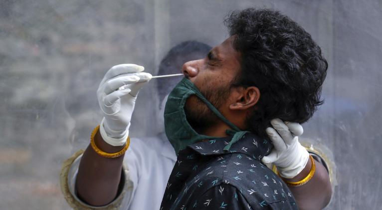 Los infectólogos creen que esta variante puede ser originaria de Europa y llegó al subcontinente indio en pasado mayo. Foto: Reuters.