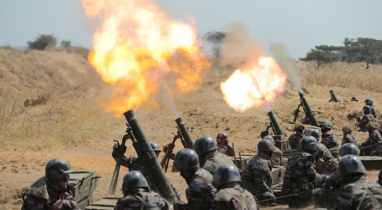 Este martes, los militares norcoreanos destruyeron la oficina de enlace intercoreana, cortando todas las líneas de comunicación con el país vecino. Foto: Reuters.