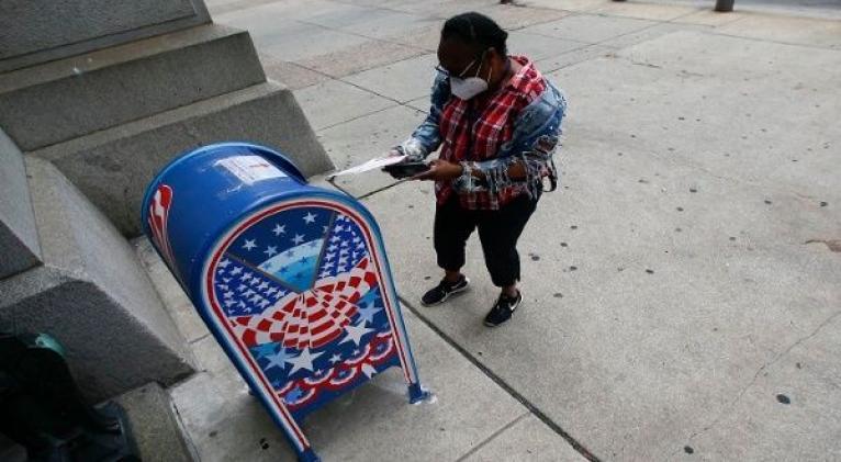 El problema de la brecha racial en las papeletas rechazadas no es exclusivo de Carolina del Norte, pues también ha ocurrido en otros estados y violando derechos de otras minorías. Foto: The Philadelphia Inquirer