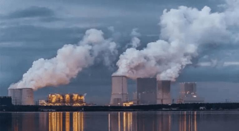 La petición de la AIE está orientada a la reducción de las emisiones de carbono o gases de efecto invernadero emitidos principalmente por el sector industrial. Foto: Revista Energética