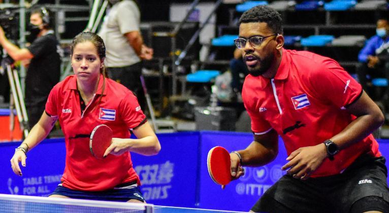 El dueto de la Mayor de las Antillas solo estuvo debajo en ese partido final, lo que da fe de su solidez. Fotos: Unión Latinoamericana de Tenis de Mesa.