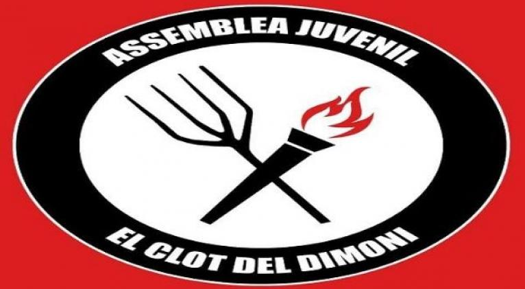 """La Asamblea de Jóvenes El Clot del Dimoni se propone """"luchar por el feminismo, el ecologismo y la defensa de la tierra y el territorio, el antifascismo, en contra la LGTBfobia y la vivienda digna"""". Foto: Twitter @elclotdeldimoni"""