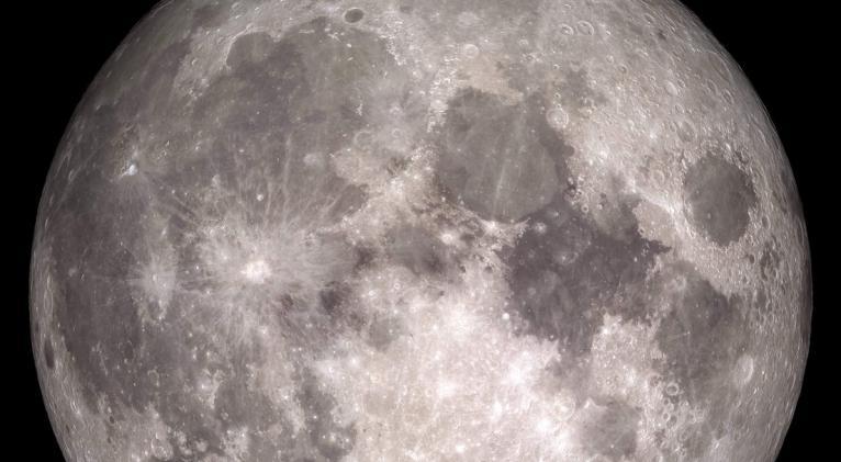 El hallazgo podría refutar la hipótesis de que la Luna se separó de la corteza terrestre hace 4.5000 millones de años tras la colisión con el protoplaneta Theia. Foto: Nasa.gov
