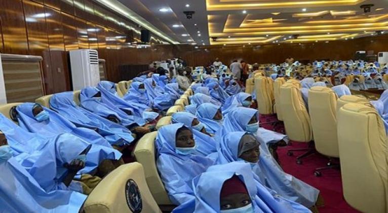 La niñas fueron recibidas en la casa de gobierno del estado nigeriano de Zamfara. Foto: @daily_trust