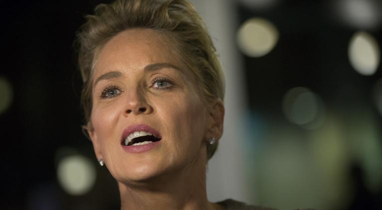 """En un video, la actriz cuenta entre lágrimas que su cuñado y su hermana están hospitalizados con coronavirus y que están """"luchando por sus vidas"""", luego de la muerte de otros dos miembros de la familia. Foto: Reuters."""