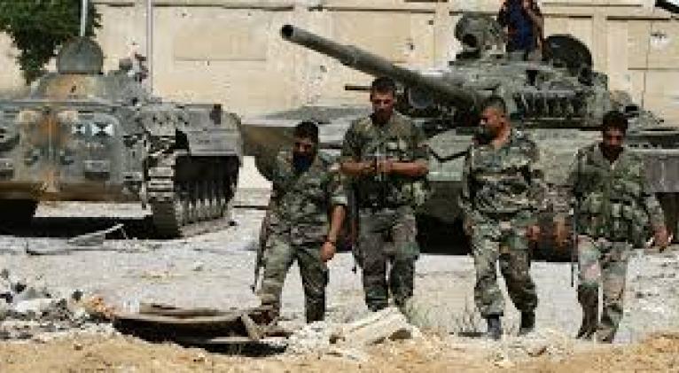 """La defensa aérea siria derribó """"una gran cantidad"""" de misiles hostiles, pero algunos alcanzaron sus objetivos y provocaron """"daños materiales limitados""""."""