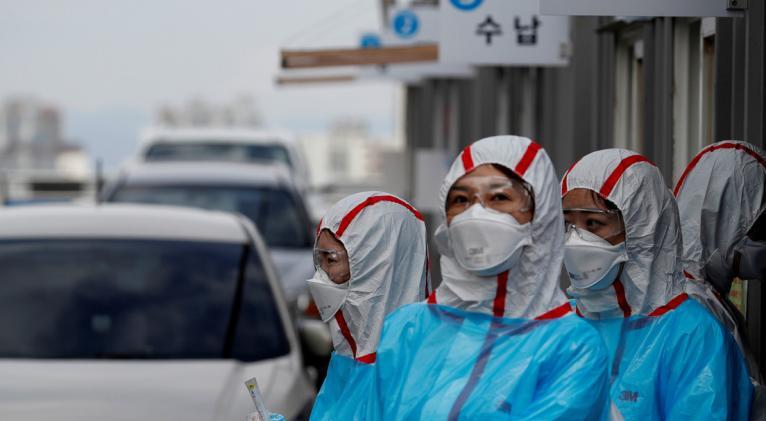 Esta variante del virus podría haber llegado al país asiático a través de alguien que arribó de EE.UU. o Europa entre marzo y abril, antes de que Seúl intensificara las medidas restrictivas. Foto: Reuters