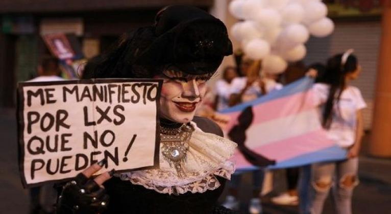 """El Manifiesto feminista reafirma que """"mejorar las condiciones de vida de las personas trans profundiza y amplía la democracia Foto: EFE"""
