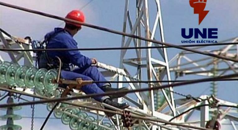 Continúan afectaciones al servicio eléctrico nacional