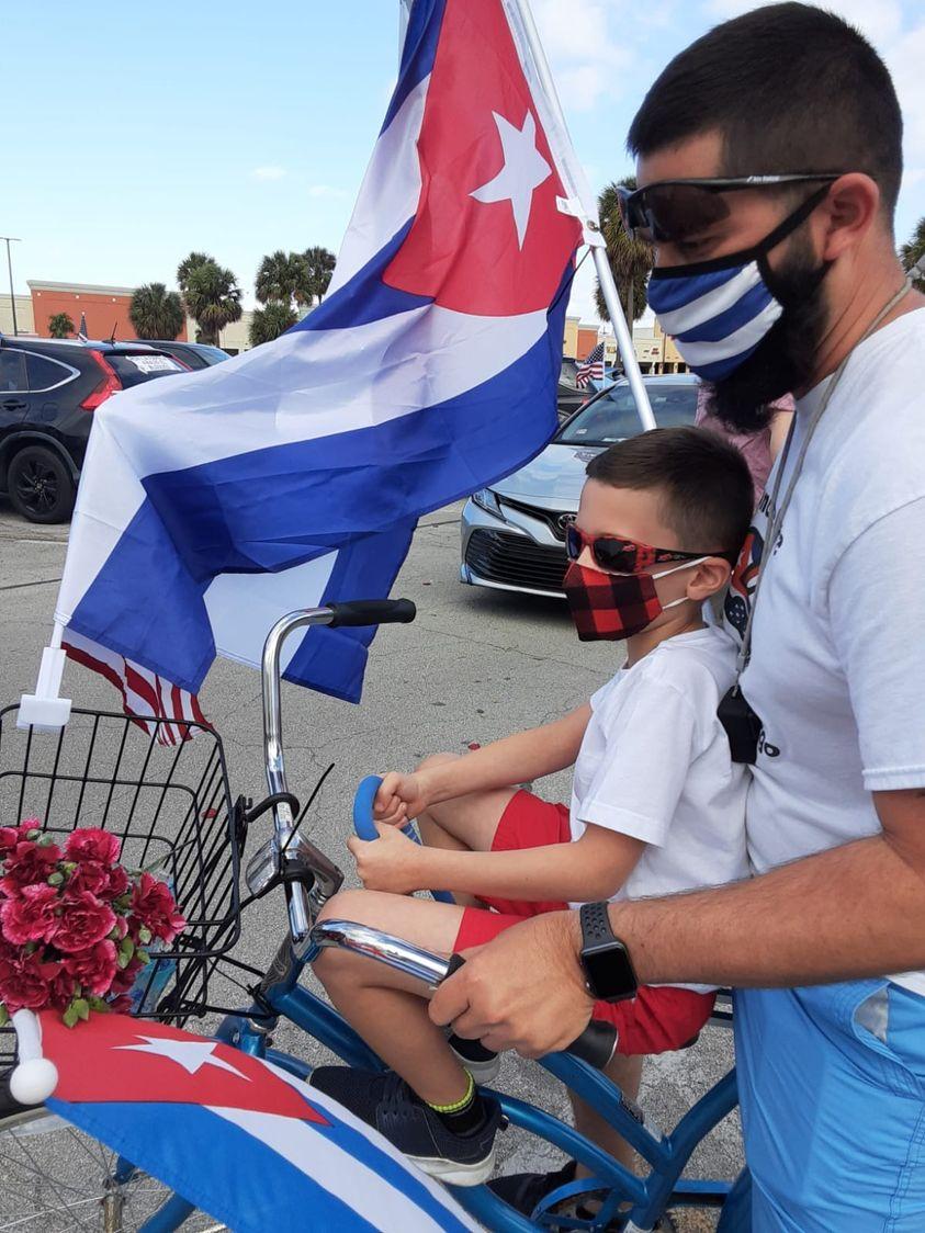 cubanoscontraelbloqueo.jpg